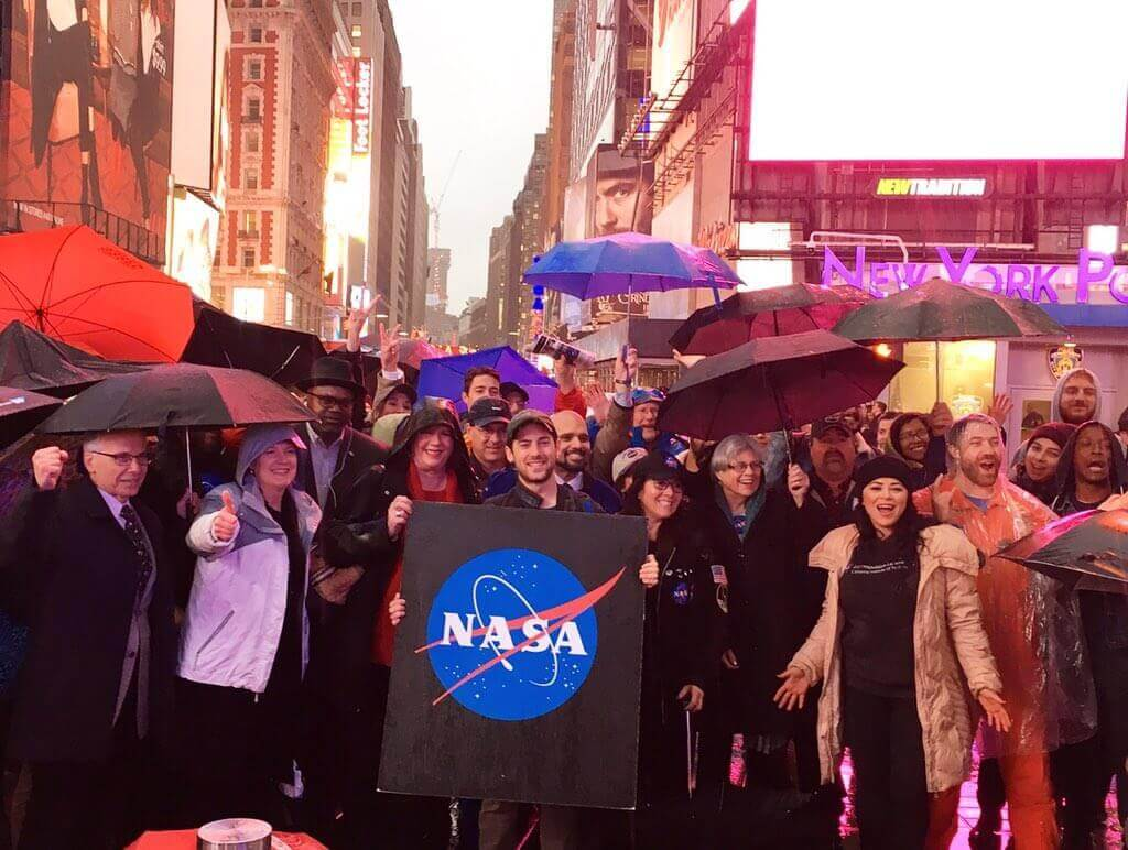 live broadcast of the NASA in Time Square, New York