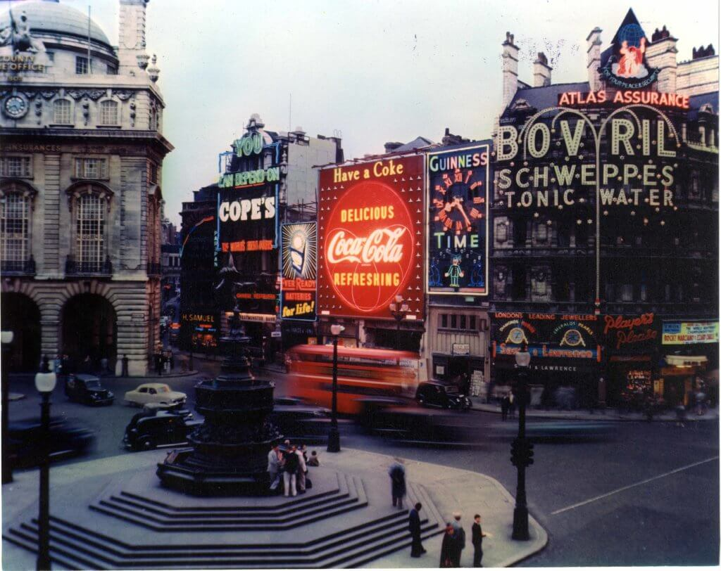 1955 Piccadilly Lights showcasing the iconic Coca-Cola OOH ad.